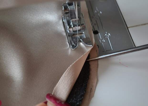 Обработка срезанного края ткани подплечника
