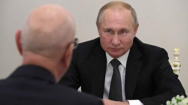 Путин попросил правительство работать до формирования нового кабмина