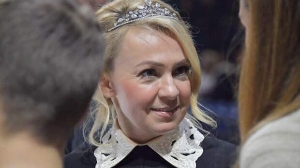 Яна Рудковская показала крестины своего восьмимесячного малыша