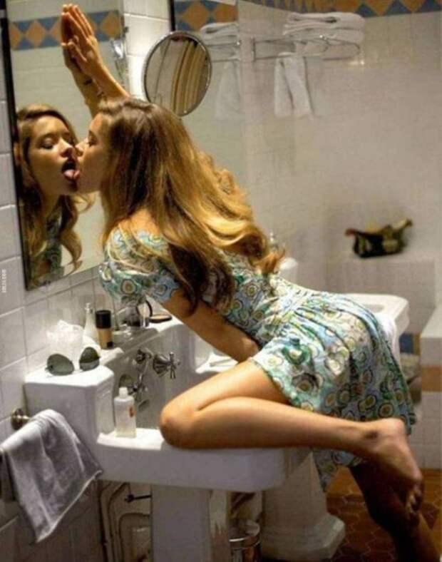 25. Как же можно не хотеть целоваться с такой красавицей