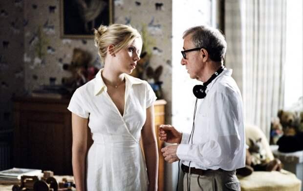 Скарлетт Йоханссон и Вуди Аллен во время съёмок фильма «Матч-пойнт». Фото