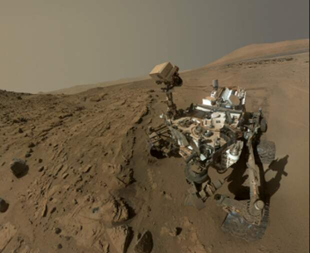 Марсоход Curiosity сделал «селфи» в годовщину пребывания на Марсе