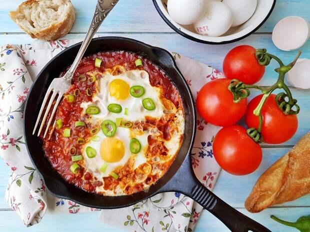Настоящий израильский завтрак: Шакшука и Матбуха