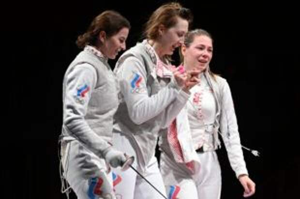 Российские рапиристки завоевали золото командного турнира на Играх в Токио