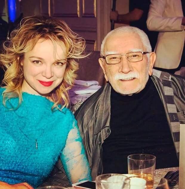 Виталина Цымбалюк-Романовская заявила, что Армен Джигарханян стал ее первым и единственным мужчиной