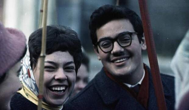 Студенты на демонстрации. Всеволод Тарасевич, 1963–1964 гг., Москва, из архива МАММ/МДФ.