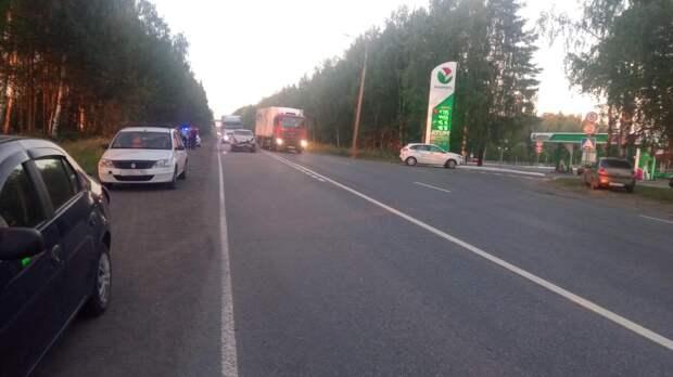 Дорожный боулинг: четыре легковушки столкнулись на трассе Ижевск-Воткинск