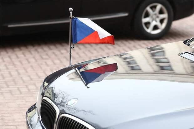 Прага угрожает выслать еще российских дипломатов, если Москва не вернет чешских