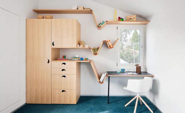 Паук в книжном дереве: веселая мебель для детских комнат