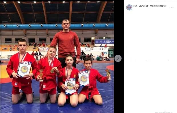 Савеловские самбисты взяли восемь медалей на открытом турнире