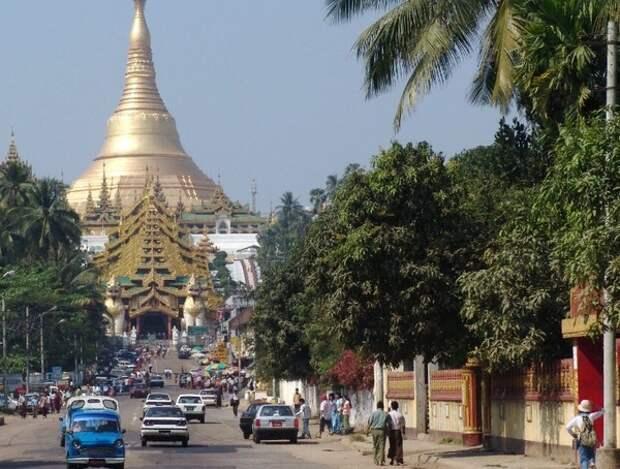 Военые в Мьянме задержали президента и объявили чрезвычайное положение на год