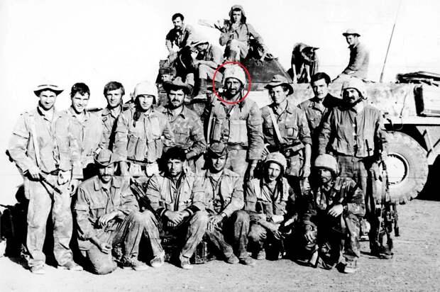С товарищами по Группе «А» во время «боевой стажировки» в Афганистане. 1980‑е годы