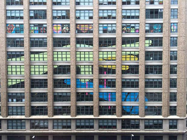 Битва стикеров между двумя офисными зданиями