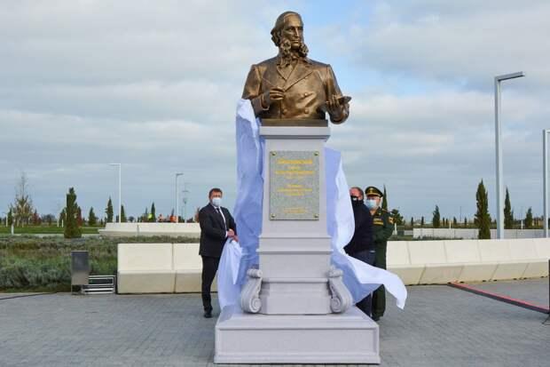 В аэропорту «Симферополь» установили памятник Ивану Айвазовскому