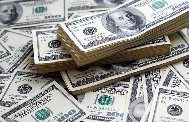 Как повлияют на курс рубля рекордные запасы валюты у корпораций?
