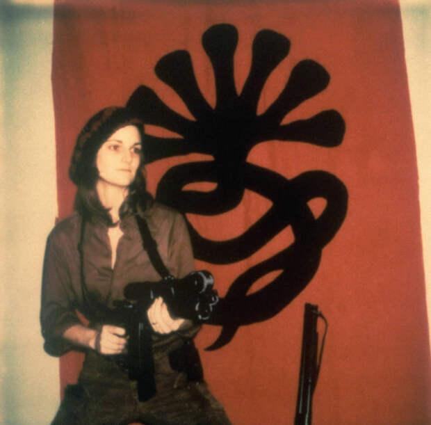 Бешеная Патти: почему девушка извысшего общества примкнула ктеррористам