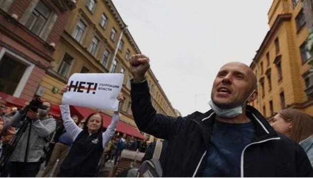 Сбор подписей в Петербурге против поправок привлек любителей спиртного