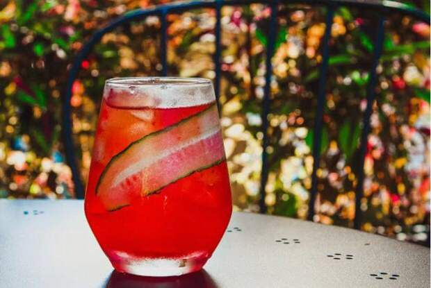 3 рецепта летних коктейлей, которые скрасят последние дни августа