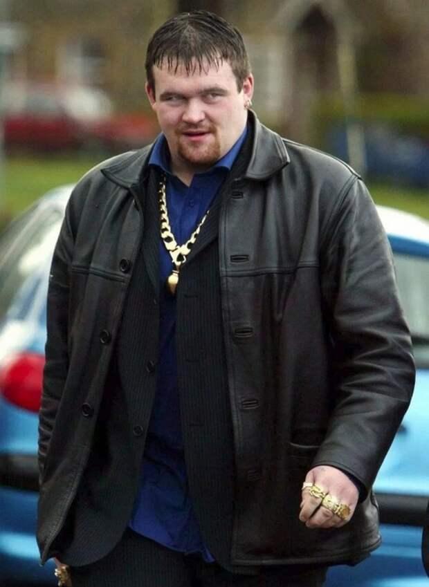 Выиграл в лотерею 9,7 миллионов фунтов и стал чернорабочим