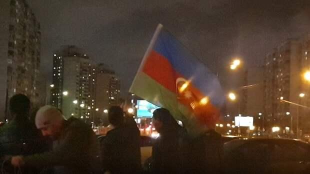 Азербайджанцы перенесли войну в Москву. Бои идут на улицах - началась облава