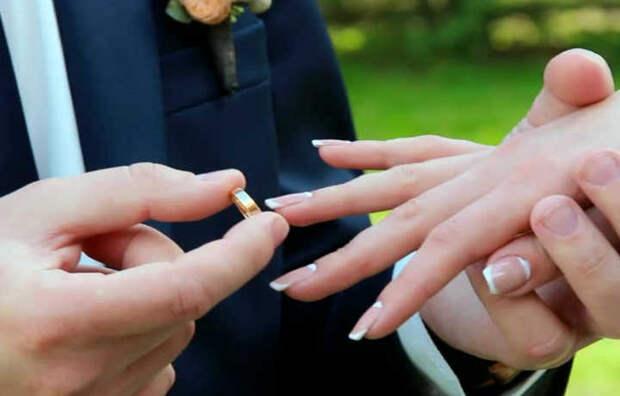 Пары, которые женятся до появления детей, с большей вероятностью остаются вместе