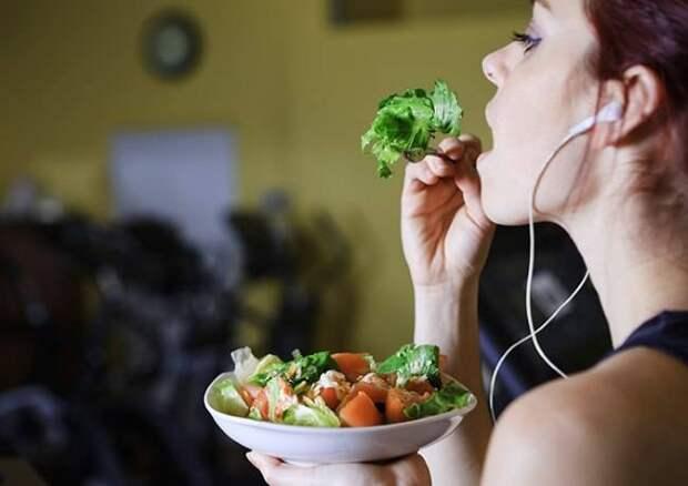 Чтобы худеть, нужно есть не меньше, а правильнее: 5 важных советов