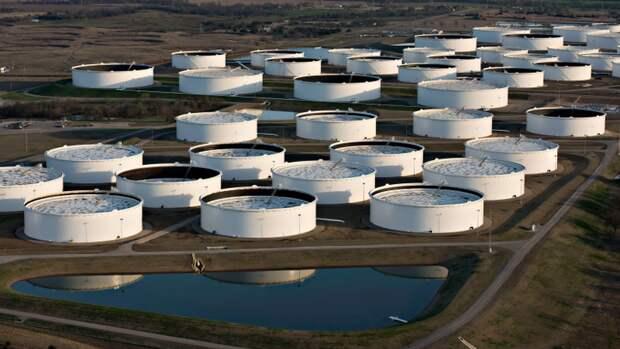 Запасы нефти вСША занеделю увеличились на0,9%, что хуже прогноза