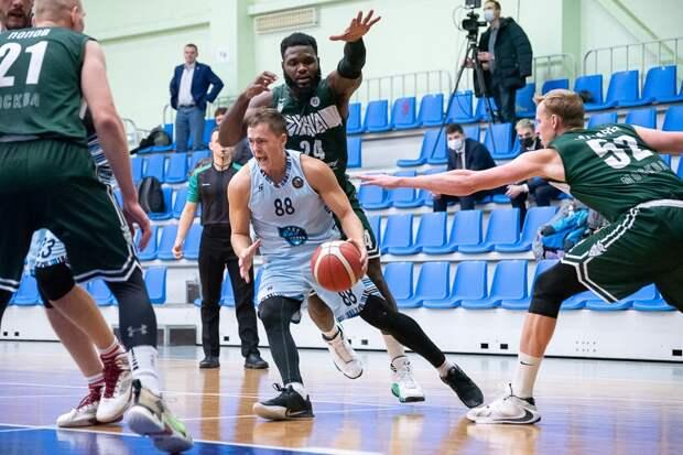 Ижевские баскетболисты «Купола-Родников» вырвали победу у московской «Руны»