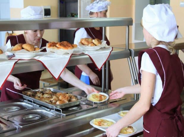 В Адыгее с 1 сентября горячим питанием обеспечат 25,4 тысячи младшеклассников