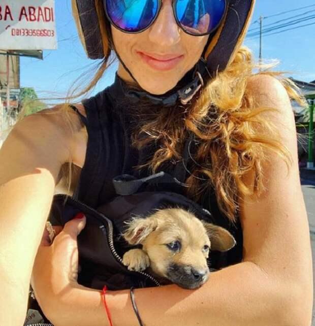 Девушка прервала отпуск, чтобы спасти больного щенка