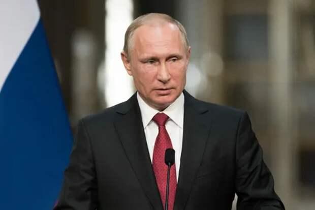 Уж август близится, а Путина все нет