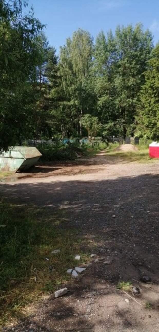 В Тверской области территорию мемориала освободили от свалки мусора