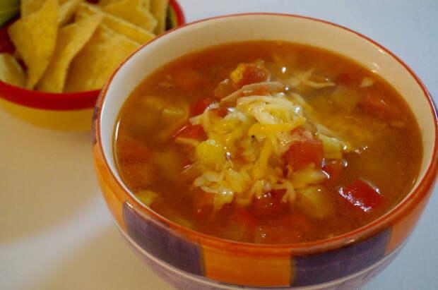 Суп с сыром в два раза аппетитнее. |Фото: homefood-tnf.blogspot.com