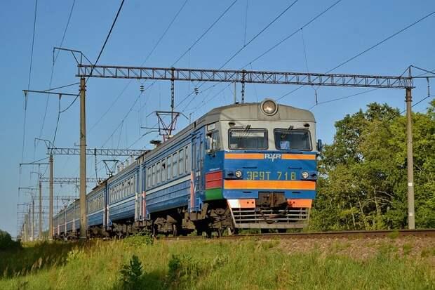 Ряд пригородных поездов отменили на Кубани