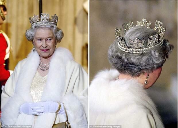 Елизавета II в бриллиантовой диадеме Георга IV, 2002. (c) Tim Graham / Getty Images / https://www.dailymail.co.uk/