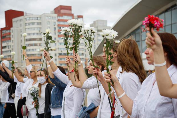 Британский журнал посвятил обложку белорусским женщинам
