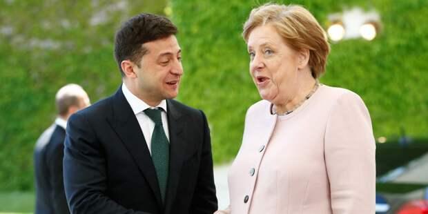 Меркель одобрила разведение сил в Золотом