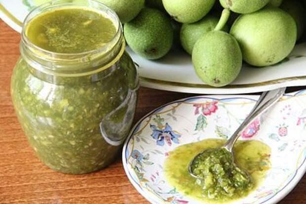 «Зеленый мёд» из грецкого ореха