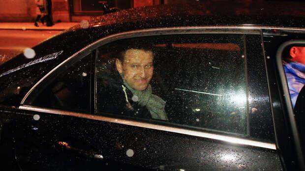 Меркель поставила фатальную подножку Навальному на его политическом пути