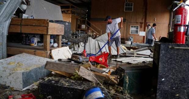 В США увеличилось число жертв урагана «Лаура»
