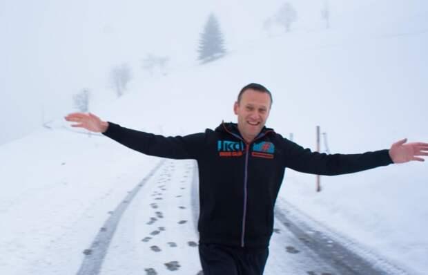 Навальный все-таки сядет: суд не стал отменять реальный срок
