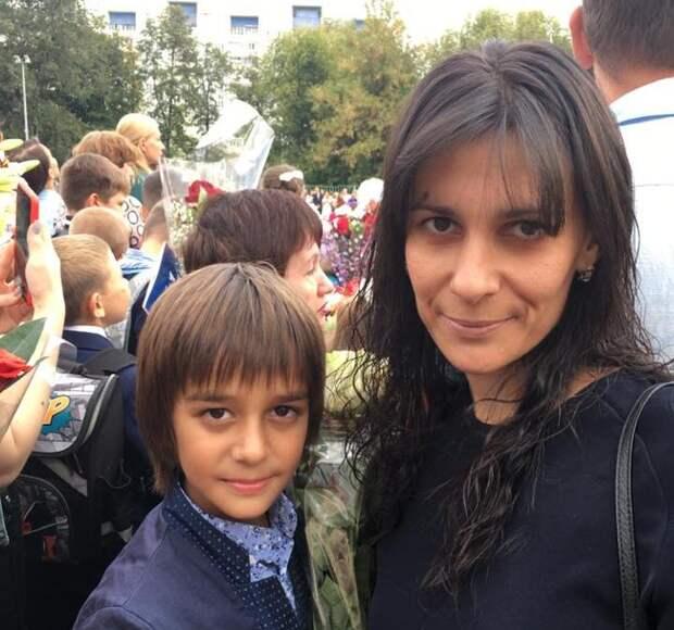 Лейла Гашимова с сыном/Из личного архива