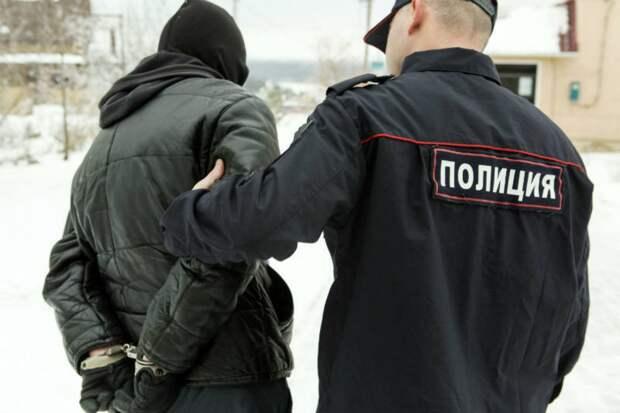 В Вавоже арестовали местного жителя, который из мести избил полицейского