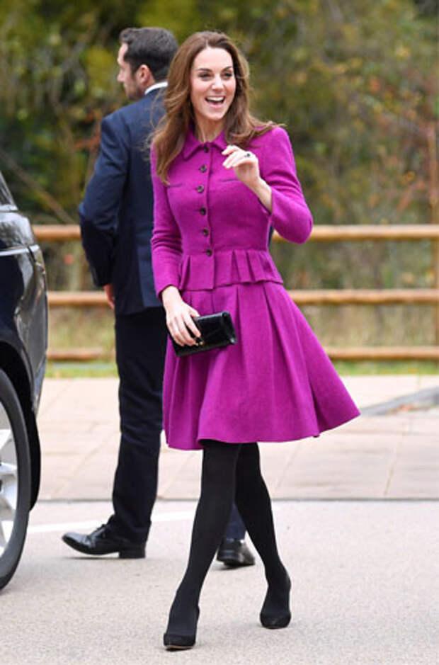 фиолетовый цвет в одежде герцогиня Кейт Миддлтон фото 2