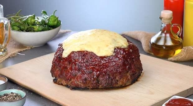 Оригинальный мясной пирог без теста: с сыром, перцем и беконом