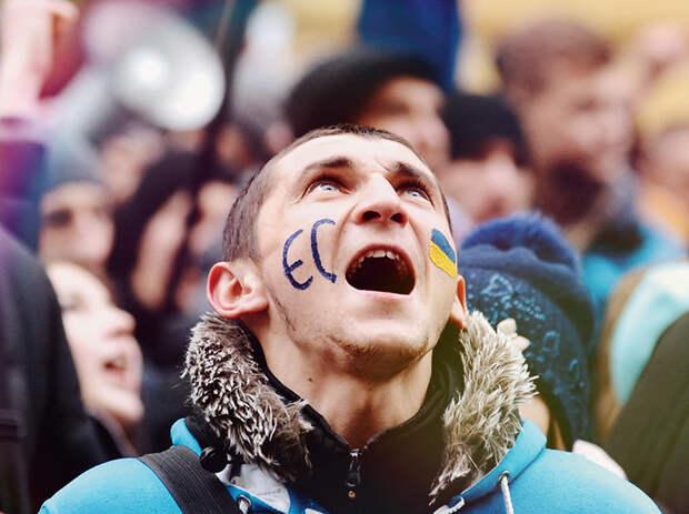 Пение награни перформанса: украинский футболист своим «гiмном» взрывает Сеть (ВИДЕО)