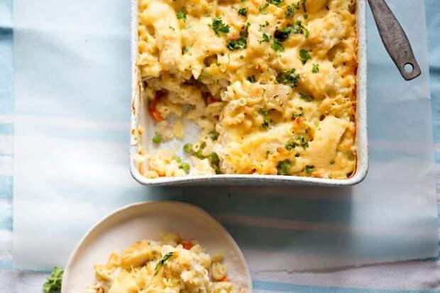 Рыбный пирог с макаронами и сыром: отличный ужин для всей семьи