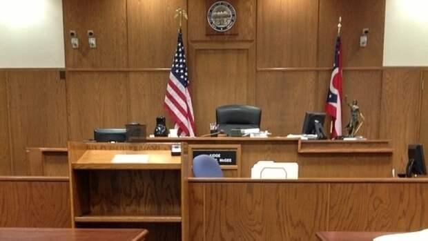 Судья отменил залог признанного виновным в убийстве Флойда экс-полицейского