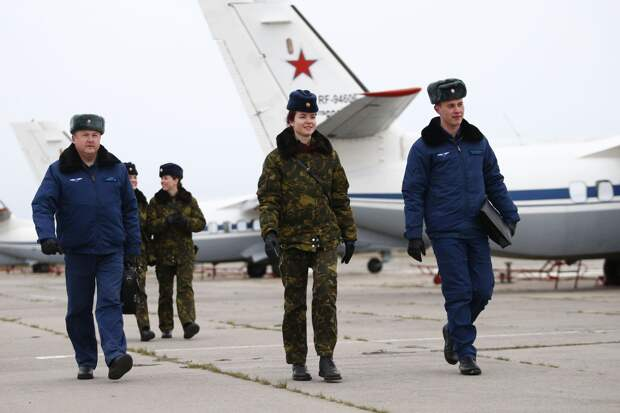 В Краснодаре прошли полеты первых в истории РФ военных летчиц