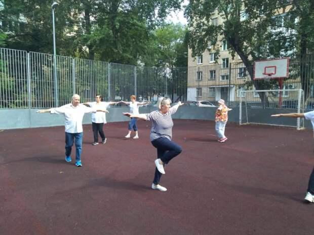 В Савеловском начались занятия по физической подготовке для пенсионеров